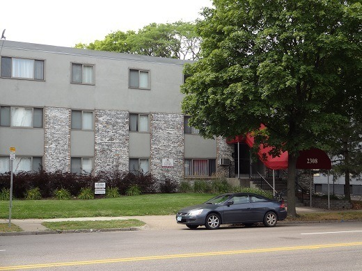 2308 Lyndale Ave S, Minneapolis MN 55405 - 18 units: 0, 1 & 2 BRs